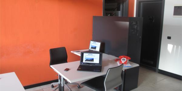 Navigli working factory postazione open space con for Coworking navigli